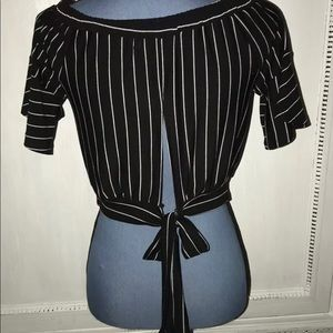 Cropped Top Small EUC BLACK WHITE Ties In Back